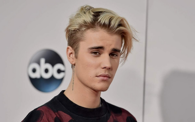 "Justin Bieber Says That a new ""Greatest Hits"" Album is Coming Soon"