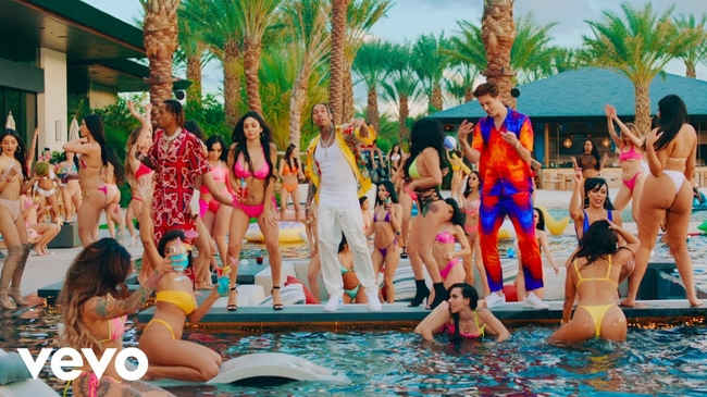"Tyga Has Releases A New Music Video for ""Girls Have Fun"""